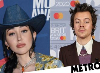 Noah Cyrus apologises over 'racist slur' while defending Harry Styles shoot