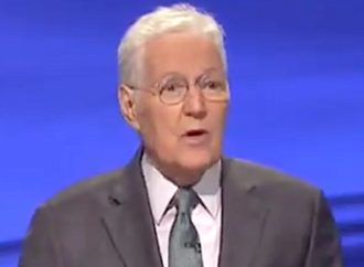 Ex-NFL Star Hit By 'Humbling' Moment In Alex Trebek's Penultimate 'Jeopardy!'