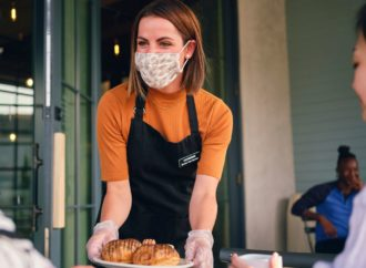 Should You Wear A Mask At Restaurants When Servers Approach Your Table?