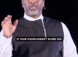 """If your vision doesn't scare you, it's not worthy of you."" – @tourerobertsLov…"