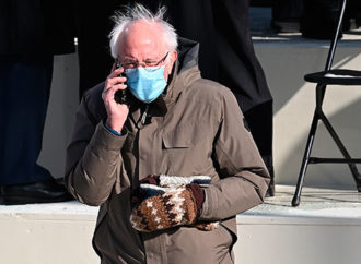Bernie Sanders' Mittens At Inauguration Day Are The Real Fashion Hit – Hollywood Life